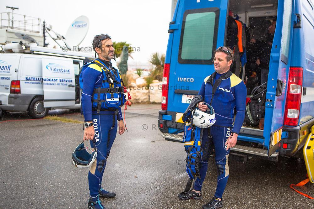 08/05/2016 - Polizia di Stato, Reparto Nautico - Rescue Staff at 2016 Cagliari ITU Triathlon World Cup -