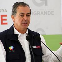 TOLUCA, Mex - Juan Rafael Elvira Quezada, secretario de SEMARNAT  durante la firma de convenio con el GEM para otorgar cerca de mil millones de pesos para la conservacion y mejora del medio ambiente en la entidad mexiquense . Agencia MVT / Jose Hernandez.