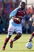 ARSENAL Sarandi (2) Vs. BOCA Jrs. (1)   - Argentine football Soccer - Apertura 2007 - At Arsenal Stadium 26.11.07<br /> Here ARSENAL PLAYER JOSSIMAR MOSQUERA<br /> © PikoPress