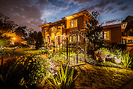Exterior lighting at Grant Gribble home, Photo by Roberto Gonzalez