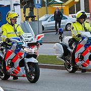 NLD/Hilversum/20110208 - Prins Willem Alexander aanwezig bij de Gouden Apenstaarten 2011, Plaatselijke motoragenten