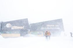 THEMENBILD - In der Steiermark sorgt heftiger Schneefall und Sturm für Behinderungen im öffentlichen Leben und im Straßenverkehr. Hier im Bild Schnee und Sturm bei der Bergstation der Seilbahn auf der Planai, aufgenommen am Samstag 5. Jänner 2019 auf der Planai in Schladming, Steiermark // In Styria heavy snowfall and storms create disabilities in public life and in traffic. Snow and storm on the Planai, pictured on Saturday 5. January 2019 in Schladming, Steiermark. EXPA Pictures © 2019, PhotoCredit: EXPA/ Martin Huber