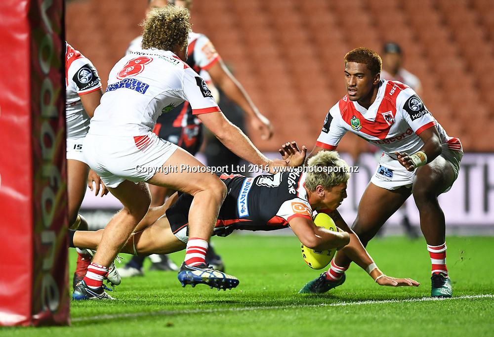 Chanel Harris-Tavita scores a try.<br /> NYC Juniors, Holden Cup, Warriors v Storm. Mt Smart Stadium, Auckland, New Zealand. Sunday 20 March 2016. Copyright Photo: Andrew Cornaga / www.Photosport.nz