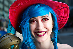 July 21, 2017 - San Diego, California, U.S. - SHAYLA JENNINGS of Walnut dressed as Jinx from League of Legends at Comic-Con. (Credit Image: © K.C. Alfred/San Diego Union-Tribune via ZUMA Wire)