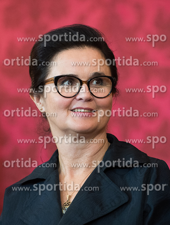 "03.06.2019, Präsidentschaftskanzlei, Wien, AUT, Angelobung der Übergangsregierung, im Bild Sozialministerin Brigitte Zarfl // Austrian Social Minister Brigitte Zarfl during inauguration of the provisional government after ""Ibiza Affair"" at Federal Presidents Office in Vienna, Austria on 2019/06/19, EXPA Pictures © 2019, PhotoCredit: EXPA/ Michael Gruber"