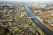 Nederland, Gelderland, Nijmegen, 11-02-2008; stadsdeel Dukenburg; stadsuitbreiding uit de jaren zestig (60, ' 60); rechts het Maas-Waalkanaaal; nieuwbouwwijk, woningbouw, doorzonwoning, doorzon, huisvesting, wonen, groen, satdsgroen..luchtfoto (toeslag); aerial photo (additional fee required); .foto Siebe Swart / photo Siebe Swart