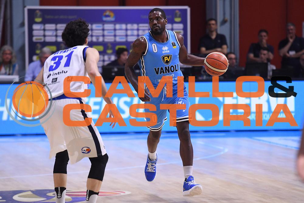 Darius Johnson Odom<br /> Vanoli Cremona - Germani Leonessa Basket Brescia<br /> LegaBasket Serie A 2017/2018<br /> Cremona, 28/04/2018<br /> Foto M.Ceretti / Ciamillo-Castoria