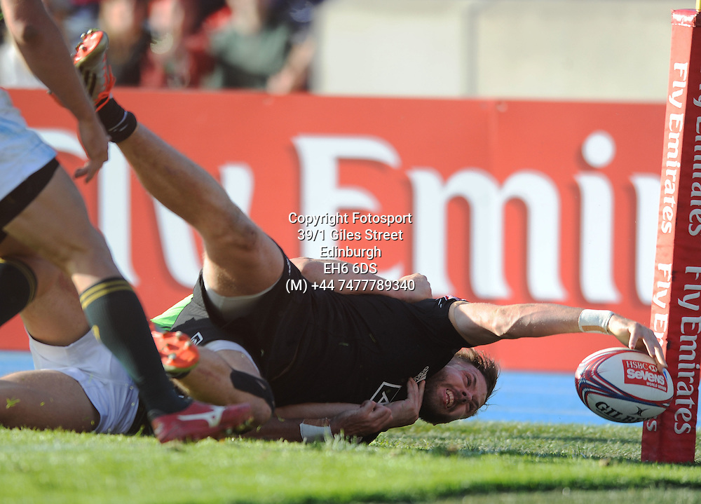 Tim Mikkelson - New Zealand scores a try in the corner but injures himself and is stretchered off.<br />