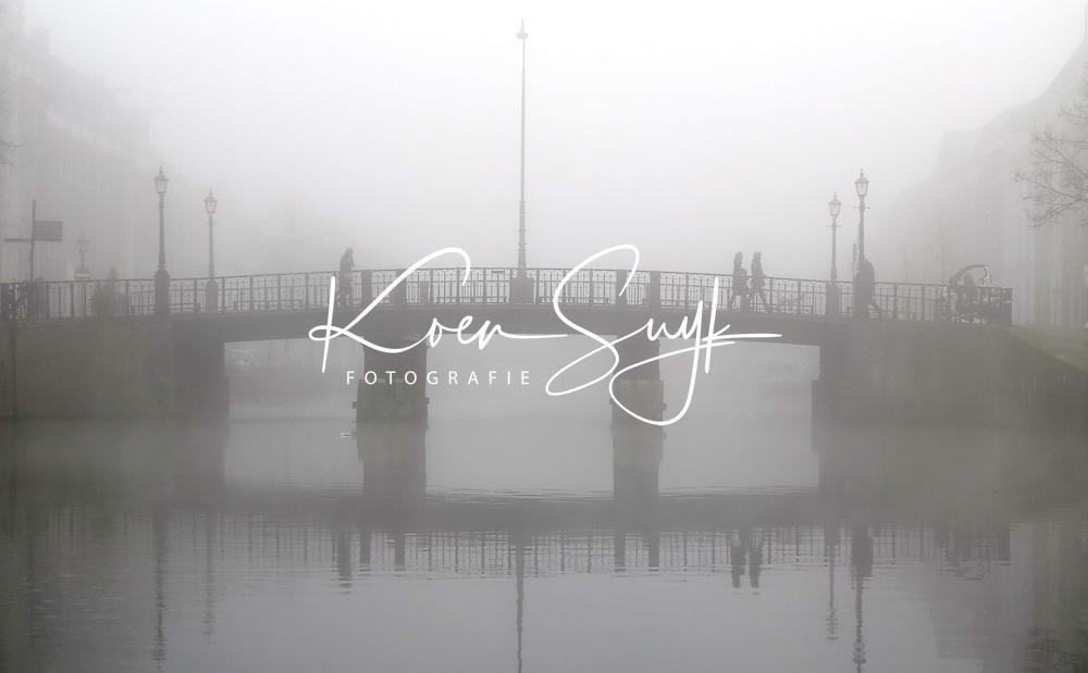 HAARLEM - Mist in de herfst. COPYRIGHT KOEN SUYK