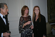 The Ambassador of Italy and Mrs. Aragona, the Duchess of York,  An Evening in honour of Salvatore Ferragamo hosted by the Ambassador of Italy. The Italian Embassy, 4 Grosvenor Square. London W1. 8 June 2005. ONE TIME USE ONLY - DO NOT ARCHIVE  © Copyright Photograph by Dafydd Jones 66 Stockwell Park Rd. London SW9 0DA Tel 020 7733 0108 www.dafjones.com