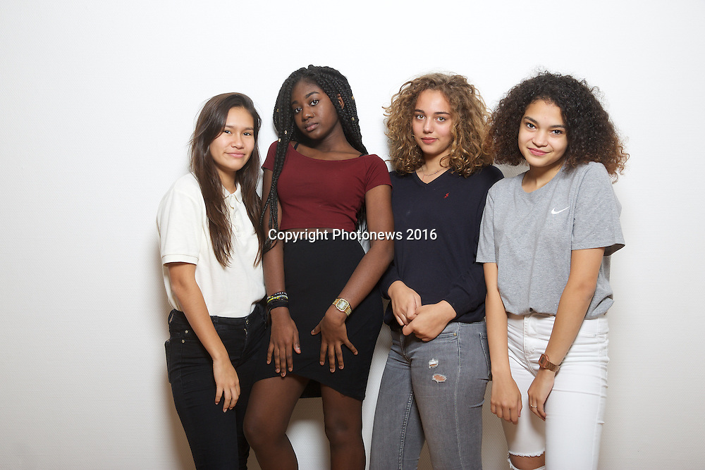 fashion shoot with young girls in Brussels for le book