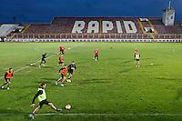 BOEKAREST - 19-08-15, Europa League, Astra GiurGiu - AZ, training, Stadionul Giulesti, , AZ speler Robert Muhren (l).