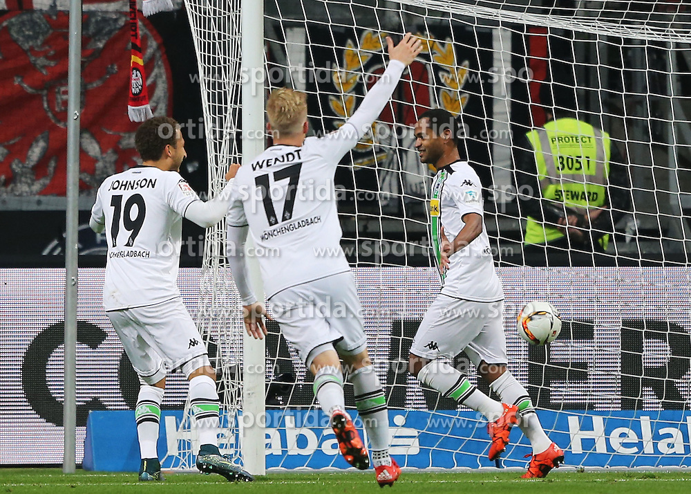 17.10.2015, Commerzbank Arena, Frankfurt, GER, 1. FBL, Eintracht Frankfurt vs Borussia Moenchengladbach, 9. Runde, im Bild v.l. Tor zum 0:1 Raffael (Borussia Moenchengladbach) Tor zum Fabian Johnson (Borussia Moenchengladbach) Oscar Wendt (Borussia Moenchengladbach) Raffael (Borussia Moenchengladbach) // during the German Bundesliga 9th round match between Eintracht Frankfurt vs Borussia Moenchengladbach at the Commerzbank Arena in Frankfurt, Germany on 2015/10/17. EXPA Pictures &copy; 2015, PhotoCredit: EXPA/ Eibner-Pressefoto/ Voelker<br /> <br /> *****ATTENTION - OUT of GER*****