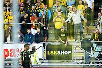Fotball , 17.08.14 , Tippeligaen, Eliteserien , <br /> Lillestrøm - Vålerenga<br /> Kanarifans er sinte på dommer , midt i første omgang <br /> Foto: Sjur Stølen / Digitalsport