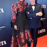 NLD/Amsterdam/20181022 - Inloop premiere Evita, Addy van den Krommenacker en model Carolien ter Linden