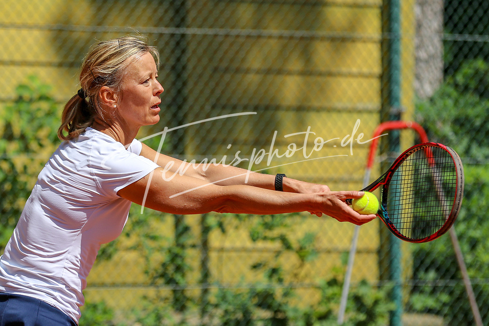 Angela Duis (DTV Hannover), 16. Grün-Weiß Nikolassee Seniorenturnier, Berlin, 21.05.2018, Foto: Claudio Gärtner