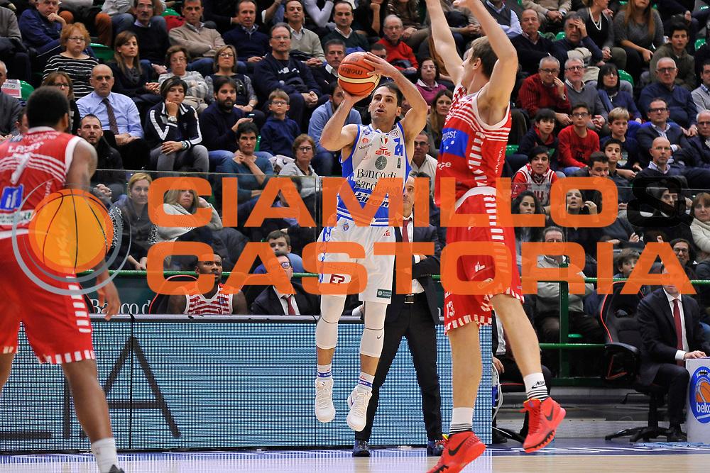 DESCRIZIONE : Campionato 2015/16 Serie A Beko Dinamo Banco di Sardegna Sassari - Consultinvest VL Pesaro<br /> GIOCATORE : Rok Stipcevic<br /> CATEGORIA : Tiro Tre Punti Three Point<br /> SQUADRA : Dinamo Banco di Sardegna Sassari<br /> EVENTO : LegaBasket Serie A Beko 2015/2016<br /> GARA : Dinamo Banco di Sardegna Sassari - Consultinvest VL Pesaro<br /> DATA : 23/11/2015<br /> SPORT : Pallacanestro <br /> AUTORE : Agenzia Ciamillo-Castoria/C.Atzori