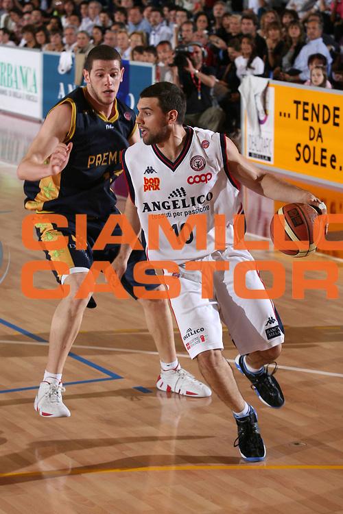 DESCRIZIONE : Biella Lega A1 2006-07 Angelico Biella Premiata Montegranaro<br /> GIOCATORE : Porta<br /> SQUADRA : Angelico Biella<br /> EVENTO : Campionato Lega A1 2006-2007<br /> GARA : Angelico Biella Premiata Montegranaro<br /> DATA : 09/05/2007<br /> CATEGORIA : Palleggio<br /> SPORT : Pallacanestro<br /> AUTORE : Agenzia Ciamillo-Castoria/S.Ceretti