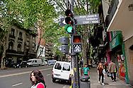 BUENOS AIRES - De entree van het appartementencomplex waar Jorge Zorreguieta en zijn vrouw Carmen, de ouders van koningin Maxima, wonen.  Jorge Zorreguieta en zijn vrouw Maria del Carmen cerruti Zorreguieta ROBIN UTRECHT