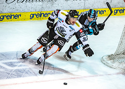 03.03.2019, Keine Sorgen Eisarena, Linz, AUT, EBEL, EHC Liwest Black Wings Linz vs Dornbirn Bulldogs, Qualifikationsrunde, 51. Runde, im Bild v.l. Brian Connelly (Dornbirn Bulldogs), Michael Davies (EHC Liwest Black Wings Linz) // during the Erste Bank Eishockey League 50th round match between EHC Liwest Black Wings Linz and Dornbirn Bulldogs at the Keine Sorgen Eisarena in Linz, Austria on 2019/03/03. EXPA Pictures © 2019, PhotoCredit: EXPA/ Reinhard Eisenbauer