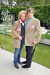 NIGEL HAVERS and his wife Georgiana Bronfman at the RHS Chelsea Flower Show 2009 held inthe gardens of the Royal Hospital Chelsea on 18th May 2009.
