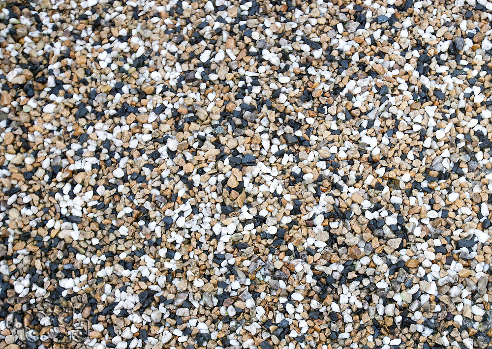 Mixture of different pebbles