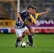 22-08-2008: Voetbal: RKC WAALWIJK:GO AHEAD EAGLES:WAALWIJK<br /> Rogier Wissink wordt door Rob Maas verdedigt<br /> Foto: Geert van Erven