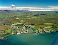Blönduós, Blanda og Langidalur t.v., Laxárvatn i miðju og Svínavatn efst t.h. /.Blonduos, Langidalur valley with river Blanda to the left and lake Laxarvatn in middle and Svinavatn behind.