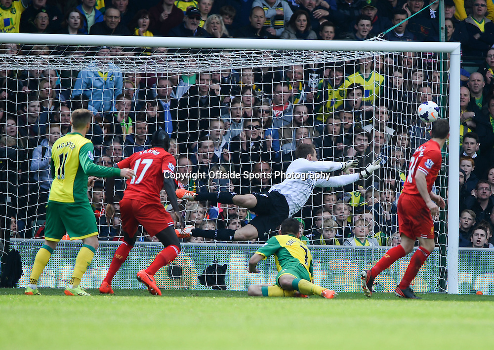 20 April 2014 - Barclays Premier League - Norwich City v Liverpool - Robert Snodgrass of Norwich City scores a goal to make it 2-3 - Photo: Marc Atkins / Offside.