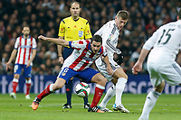 Real Madrid´s Toni Kroos (R) and Atletico de Madrid´s Koke during Spanish King´s Cup match at Santiago Bernabeu stadium in Madrid, Spain. January 15, 2015. (ALTERPHOTOS/Victor Blanco)