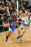 DESCRIZIONE : Avellino Lega A 2011-12 Sidigas Avellino Fabi Shoes Montegranaro<br /> GIOCATORE : Jerel Mc Neal<br /> SQUADRA : Fabi Shoes Montegranaro<br /> EVENTO : Campionato Lega A 2011-2012<br /> GARA : Sidigas Avellino Fabi Shoes Montegranaro<br /> DATA : 22/01/2012<br /> CATEGORIA : palleggio penetrazione<br /> SPORT : Pallacanestro<br /> AUTORE : Agenzia Ciamillo-Castoria/A.De Lise<br /> Galleria : Lega Basket A 2011-2012<br /> Fotonotizia : Avellino Lega A 2011-12 Sidigas Avellino Fabi Shoes Montegranaro<br /> Predefinita :