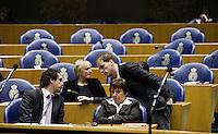 Nederland. Den Haag, 4 februari 2009.<br /> PvdA fractie : van Dam, Besselink, Hamer en Samsom. Voor coalitiepartij PvdA geldt niet langer de coalitieafspraak dat er geen parlementair onderzoek mag komen naar de besluitvorming over de inval in Irak in 2003. Debat over Irak in de Tweede Kamer. De Tweede Kamer debatteert over het plan van premier Jan Peter Balkenende om een onderzoekscommissie in te stellen naar de besluitvorming rond Irak in 2003. Balkenende kondigde maandag aan dat hij de jurist Willibrord Davids heeft gevraagd deze commissie te leiden. <br /> Foto Martijn Beekman<br /> NIET VOOR PUBLIKATIE IN LANDELIJKE DAGBLADEN.