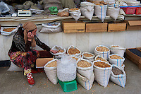 Ouzbekistan, Samarkand, Bazar Siob, fruit sec // Uzbekistan, Samarkand, Siob Bazar, local market, dry fruit