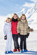 Fotosessie met de koninklijke familie in Lech /// Photoshoot with the Dutch royal family in Lech .<br /> <br /> Op de foto/ On the photo:  Prinses Amalia, Prinses Alexia en Prinses Ariane ///// Princess Amalia, Princess Alexia and Princess Ariane