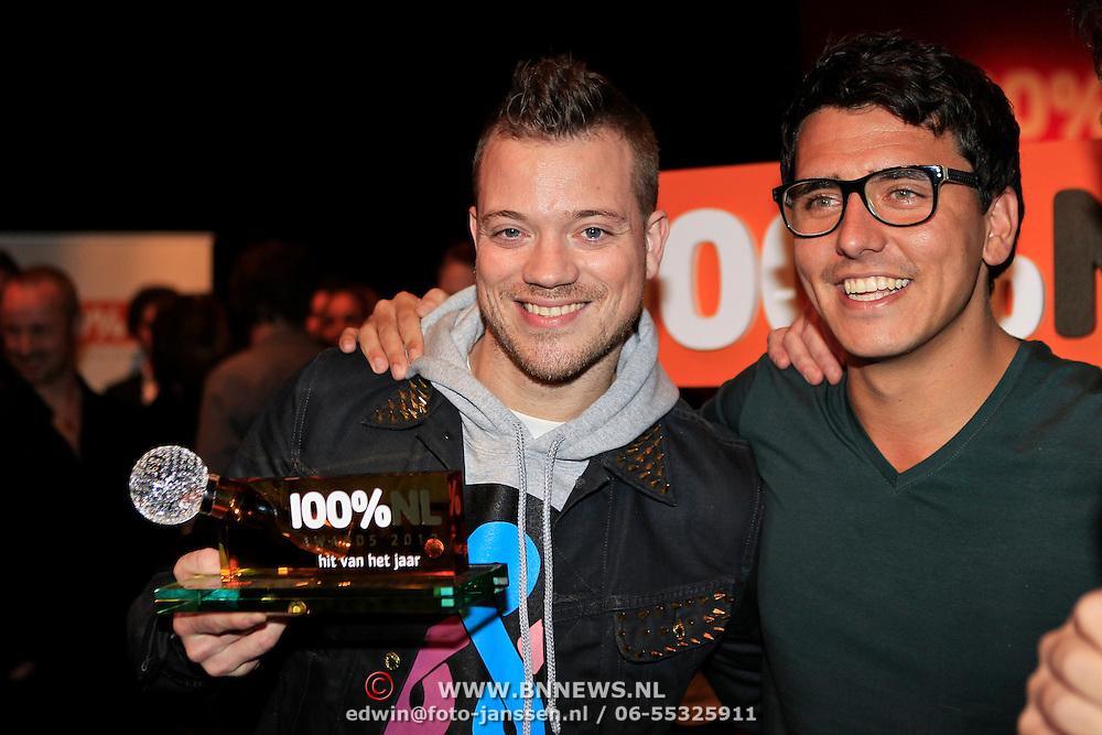 NLD/Hilversum/20130109 - Uitreiking 100% NL Awards 2012, Gers Pardoel wint de Award voor 'Hit van het Jaar' met Jan Smit