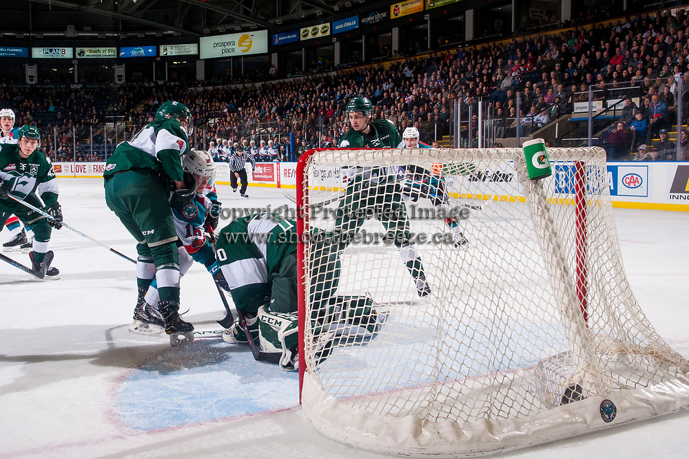 KELOWNA, CANADA - FEBRUARY 2: Kole Lind #16 of the Kelowna Rockets tries to put the puck in the net of Carter Hart #70 of the Everett Silvertips on FEBRUARY 2, 2018 at Prospera Place in Kelowna, British Columbia, Canada.  (Photo by Marissa Baecker/Shoot the Breeze)  *** Local Caption ***
