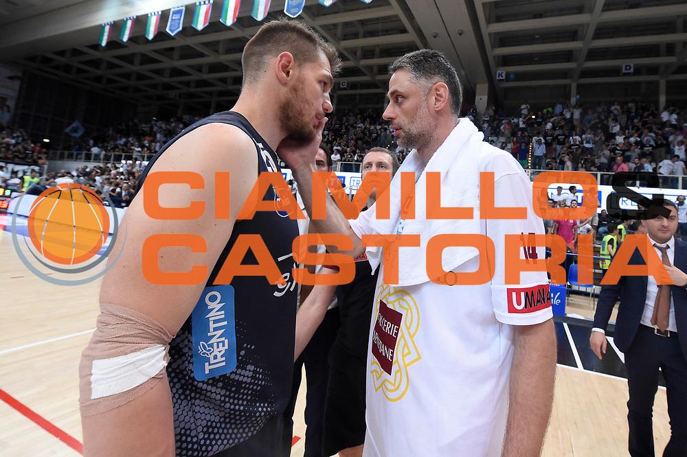 Luca Lechthaler, Tomas Ress<br /> Dolomiti Energia Aquila Basket Trento - Umana Reyer Venezia<br /> Lega Basket Serie A 2016/2017<br /> Playoff, finale gara 3<br /> Trento, 14/06/2017<br /> Foto M.Ceretti / Ciamillo-Castoria