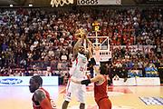 DESCRIZIONE : Pistoia Lega serie A 2013/14  Giorgio Tesi Group Pistoia Pesaro<br /> GIOCATORE : wanamaker bradley<br /> CATEGORIA : tiro<br /> SQUADRA : Giorgio Tesi Group Pistoia<br /> EVENTO : Campionato Lega Serie A 2013-2014<br /> GARA : Giorgio Tesi Group Pistoia Pesaro Basket<br /> DATA : 24/11/2013<br /> SPORT : Pallacanestro<br /> AUTORE : Agenzia Ciamillo-Castoria/M.Greco<br /> Galleria : Lega Seria A 2013-2014<br /> Fotonotizia : Pistoia  Lega serie A 2013/14 Giorgio  Tesi Group Pistoia Pesaro Basket<br /> Predefinita :