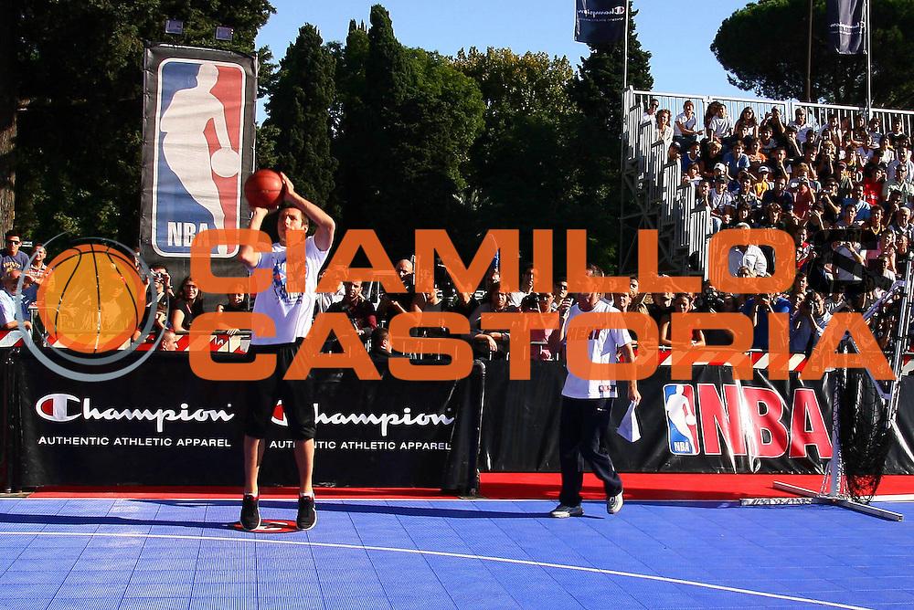 DESCRIZIONE : Roma Rome Terme di Caracalla Nba Europe Live Tour<br /> GIOCATORE : Nash<br /> SQUADRA : Lottomatica Virtus Roma Nba Europe Live Tour<br /> EVENTO : Roma Rome Terme di Caracalla Nba Europe Live Tour<br /> GARA : <br /> DATA : 05/10/2006 <br /> CATEGORIA : <br /> SPORT : Pallacanestro <br /> AUTORE : Agenzia Ciamillo-Castoria/E.Castoria<br /> Galleria : Nba Europe Live Tour<br /> Fotonotizia : Roma Rome Terme di Caracalla Nba Europe Live Tour<br /> Predefinita :