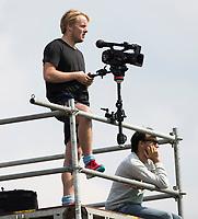 ROTTERDAM - Bloemendaal speler keeper Feiko Keilholz (Bloemendaal) als videoman, met assistent coach Karel Klaver, , bij de ABN AMRO cup 2017 . COPYRIGHT KOEN SUYK