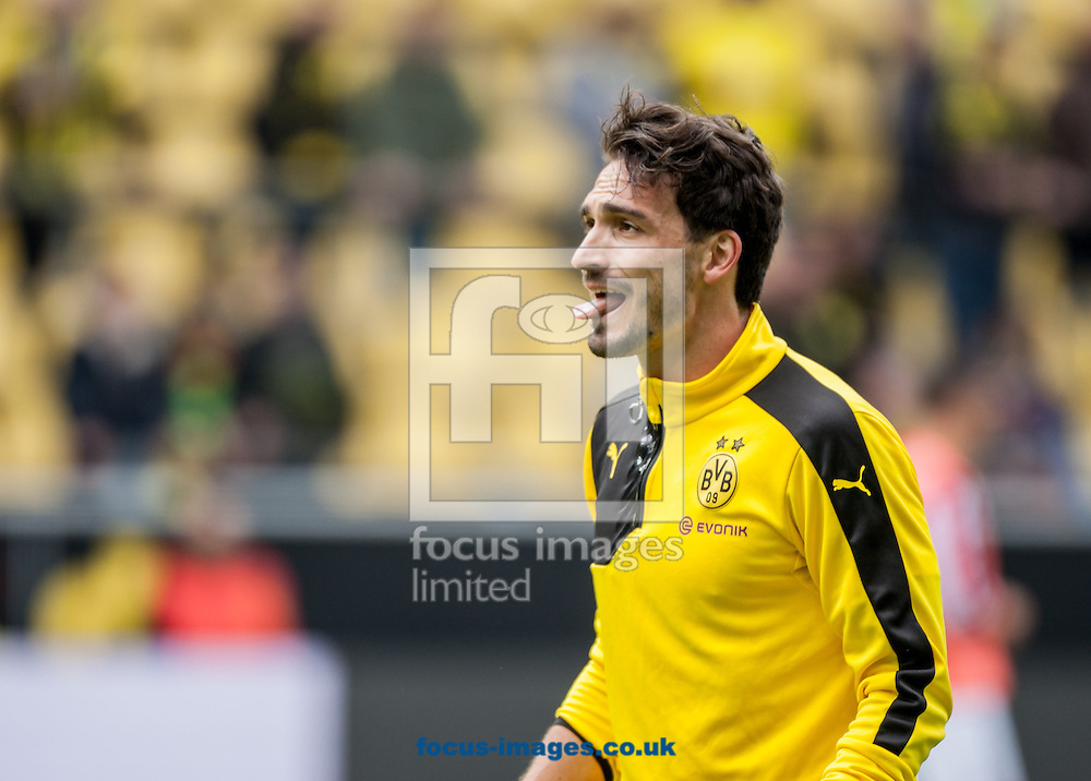 Mats Hummels of Borussia Dortmund during the Bundesliga match at Signal Iduna Park, Dortmund<br /> Picture by EXPA Pictures/Focus Images Ltd 07814482222<br /> 14/05/2016<br /> ***UK &amp; IRELAND ONLY***<br /> EXPA-EIB-160514-0072.jpg