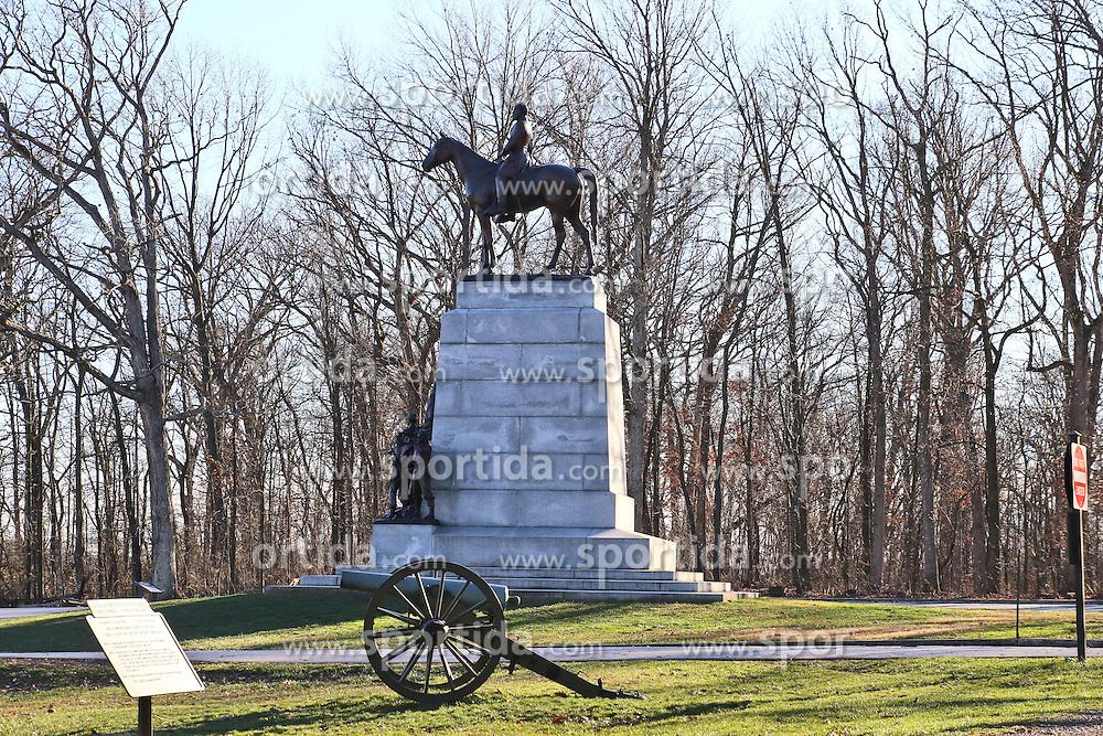 11.01.2016, Museum, Gettysburg, USA, Battle of Gettysburg, im Bild Eine Statue von General Robert E. Lee auf seinem Pferd am Virginia Memorial, Schlachtfeld von Gettysburg // View the historic site of the Battle of Gettysburg at Museum in Gettysburg, United States on 2016/01/11. EXPA Pictures © 2016, PhotoCredit: EXPA/ Eibner-Pressefoto/ Hundt<br /> <br /> *****ATTENTION - OUT of GER*****