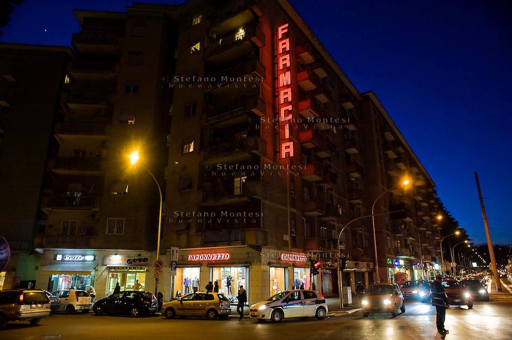 Roma 22 Febbraio 2012.Palazzi e traffico a Via Isole Curzolane, quartiere Montesacro