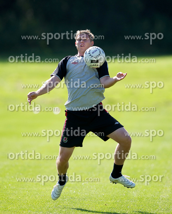 31.08.2010, Vale of Glamorgan Hotel, Cardiff, WAL, Training Nationalmannschaft Wales, im Bild Wales' Simon Church during training, EXPA Pictures © 2010, PhotoCredit: EXPA/ Propaganda/ D. Rawcliffe *** ATTENTION *** UK OUT! / SPORTIDA PHOTO AGENCY