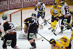 01.03.2011, Eisstadion Liebenau, Graz, AUT, EBEL, Playoffs Viertelfinale, Graz 99ers vs Vienna Capitals, im Bild Mike Ouellette, (99ers, #28), Jamie Hunt, (99ers, #27), Christoph Harand, (99ers, #61), Philippe Lakos, (Capitals, #4), Jürgen Penker, (Capitals, #29), EXPA Pictures © 2011, PhotoCredit: EXPA/ S. Zangrando