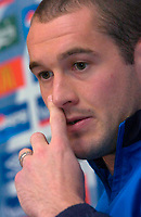 Photo: Glyn Thomas.<br />England Press Conference. 09/11/2005.<br />England's Paul Robinson speaks to the press.