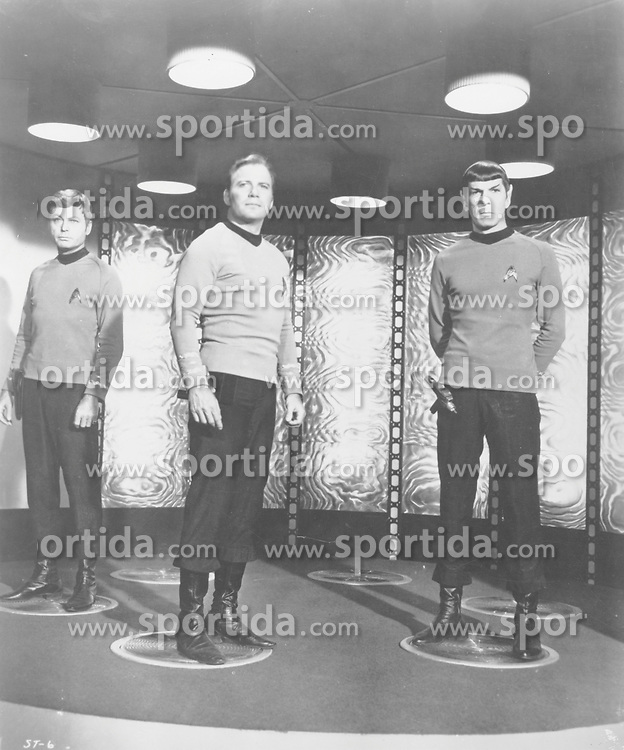 The original Star Trek TV show with William Shatner as Captain James T Kirk and Leonard Nimoy as Mr. Spock 1966, Ref: B196_095082_1911, Date: 1966. EXPA Pictures &copy; 2015, PhotoCredit: EXPA/ Photoshot/ STARSTOCK/Photoshot<br /> <br /> *****ATTENTION - for AUT, SLO, CRO, SRB, BIH, MAZ only*****