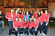 ROMA 12 MAGGIO 2010<br /> BASKET FIP<br /> CONFERENZA STAMPA BELINELLI E CUZZOLIN<br /> NELLA FOTO  BELINELLI  E LE RAGAZZE DI COLLEGE ITALIA<br /> FOTO CIAMILLO