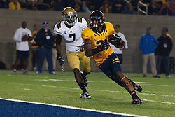 BERKELEY, CA - OCTOBER 06: Wide receiver Keenan Allen #21 of the California Golden Bears scores a touchdown past safety Tevin McDonald #7 of the UCLA Bruins during the second quarter at California Memorial Stadium on October 6, 2012 in Berkeley, California. The California Golden Bears defeated the UCLA Bruins 43-17. (Photo by Jason O. Watson/Getty Images) *** Local Caption *** Keenan Allen; Tevin McDonald