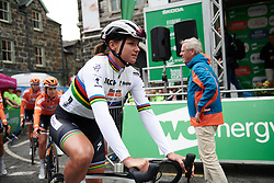 Chantal Blaak (NED) makes her way from sign on at OVO Energy Women's Tour 2018 - Stage 5, a 122 km road race from Dolgellau to Colwyn Bay, United Kingdom on June 17, 2018. Photo by Sean Robinson/velofocus.com